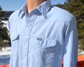 vintage 70s western shirt WRANGLER chambray blue denim oxford pearl snaps Medium Large 16 1/2 34