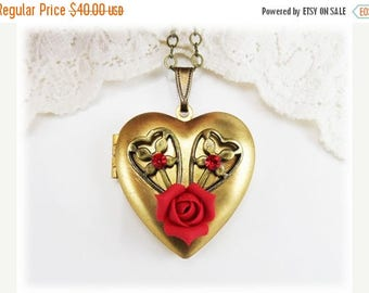 30% OFF SUMMER SALE Red Rose Heart Locket - Vintage Style Locket, Romantic Gift, Crystal Heart Locket Necklace, Red Rose Photo Locket, Valen