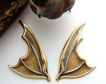 ANTIQUE BRASS * (1 Pair) Large Gothic Bat Wings Stampings ~ Jewelry Ornamental Findings (C-1408)