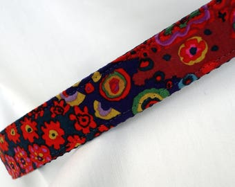 Large Dog Collar - Kaffe Fassett Fabic - 1 Inch Wide - Adjustable Between 14-23 Inches - Yellow Lab - Golden Retriever - READY TO SHIP