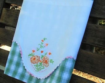 ON SALE Vintage Linen Tea Towel | Vintage Embroidery - Hand Crochet | Spring Flowers Kitchen Towel | Recycled Linen | Green White Check Dish
