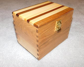 "Wood Recipe Box for 4"" x 6"" Index Cards - Butternut and Maple"