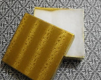 Summer Sale 20 Pack Gold Foil Cotton Filled Presentation Jewelry Boxes 3.5X3.5X1 Inch Size