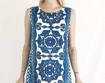 Vintage 60's Hawaiian Maxi Dress. Size Medium