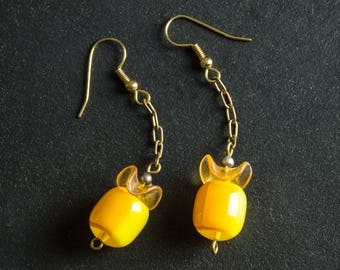 50% OFF SALE Yellow Vintage Candy Drop Lucite Earrings, Dual Tone Plastic Barrel Beads, Brass Chain, Gold Plated Ear Hooks, Retro Jewelry