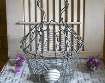 French Wire Egg Basket, Rustic Fruit Basket - Farmhouse Decor - Kitchen Wooden Spoon Storage Basket - Vegetable Steamer - Wire Garden Basket