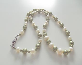 CB 86 Necklace and Earrings with Freshwater Pearls and Swarovski Pearls.