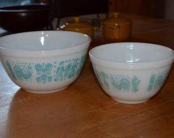pyrex turquoise mixing bowls 401 and 402. amish butterprint.  Set of 2. Aqua blue print.