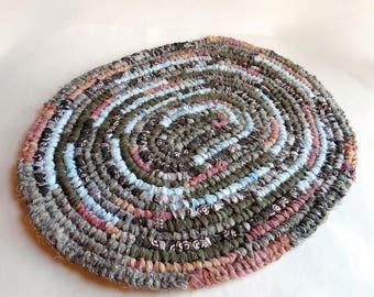 """Handmade Amish Knot Toothbrush Rug - Recycled Crochet Rag Rug - 21"""" x 18"""" - Brown Blue Pink Bathmat - Kitchen Rug - Doormat - Small Oval"""
