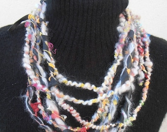 Art yarn Necklace
