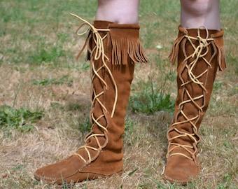Vintage Moccasin-Style Fringe Suede Boots