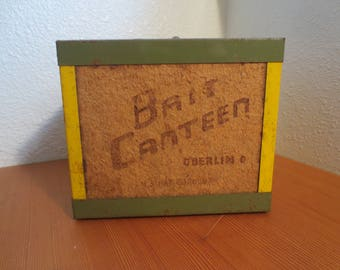 Vintage Oberlin Bait Canteen, fishing decor, Finshing gear, gift for Him, Father's Day gift, lodge decor, fishing box, fishing gift, outdoor