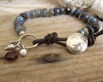 Labradorite, Garnet, Leather Beaded Bracelet, Boho Stacking Bracelet, Layering Bracelet, Knotted Gemstone Bracelet, Heart Charm
