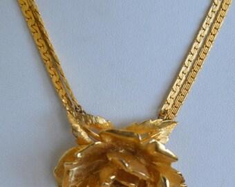 "On sale Beautiful Vintage Gold tone, Rhinestone Floral Rose Pendant Necklace, 16"" (H14)"