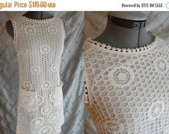 ON SALE 60s 70s Dress //  Vintage 60s 70s White Lace Mini Dress by Gay Gibson Size M 28 waist