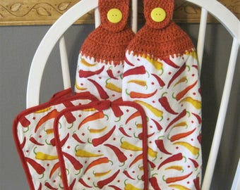 2 Crocheted Hanging Kitchen Towels with Pot Holders - Hot Chili Peppers