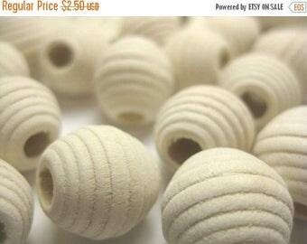 SUMMER SALE Creamy Beige Honey Comb Wood Beads - 15 pcs