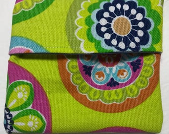 MamaBear Tuckables Pouch, Small (4 x 4) - Cloth Menstrual Pads, Wipes, Snacks, & more - Retro Flowers