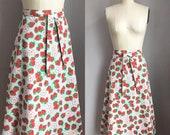 Vintage 1970's Strawberries and Blossoms Novelty Print Wraparound Wrap Skirt Size Medium