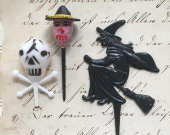 Vintage Spooky Halloween Cupcake Decor