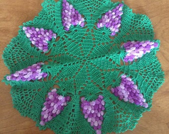 Vintage 3D Lacy Crochet Doily, Bunches of Grapes, Three Dimensional, Lace Crochet