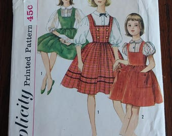 Simplicity 3608 1960s Girls Jumper and Blouse Big Pockets Size 10