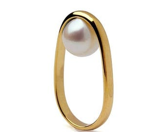 SALE 20% Off - OVERTURN 14k Gold Pearl Ring,  Gold Pearl Engagement Ring,  Unique Pearl Ring, Modern Geometric Pearl Ring, Minimalist Gold R