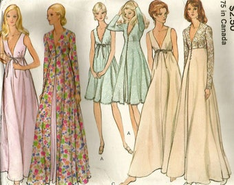 Vintage Vogue 8171 Misses Nightgown and Robe- Peignoir Set Sewing Pattern Size 12 Bust 34