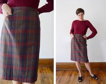 "1960s Green Plaid Pencil Skirt - L 31"" Waist"