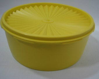 Vintage Tupperware Servalier 8 Cup Canister Bright Yellow with Seal