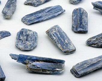 Blue Kyanite Gemstone - Ethereal Power & Royalty