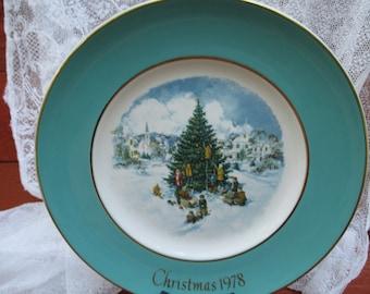 1978 Avon Christmas Plate, Enoch Wedgwood, Vintage Christmas, Cookie Plate for Santa