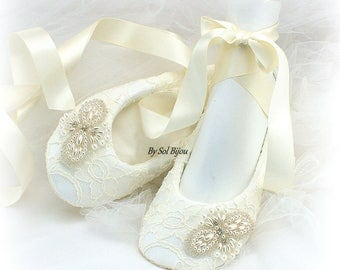 Beaded Ballet Flats,Ivory Lace Flats,Ivory Ballet Shoes,Wedding Flats,Personalized Shoes,Lace Ballet Slippers,Bridal Shower,Vintage Wedding