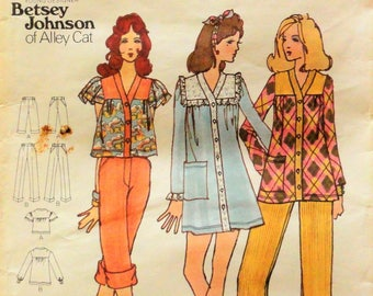 1970s Mini dress pattern, Betsey Johnson, top, smock pants, mod retro, vintage sewing pattern,  Simplicity 6836 misses size 10, bust 32 1/2