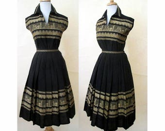 Charming 1950's Two Piece Summer Dress with border print woven in made in Greece Rockabilly Pinup Girl size Small