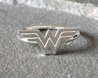 Sterling Silver Wonder Woman Ring, Wonder Woman Ring, Superhero Ring, Superhero Jewelry, Comic Con Jewelry, Superhero Ring, Novelty Ring