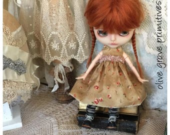 Blythe doll dress Handmade vintage style pretty Autumn colours tiny red roses design handmade by Olive Grove Primitives