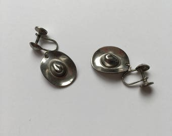 Vintage 1950s Earrings - 50s Silver Tone Cowboy Hat Earring