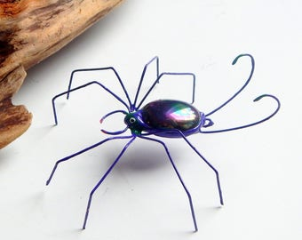 Single Scruffy Medium Purple Spider, Unique Wire Art, Wire Spider, Gift for him her, Collectible Bug, Halloween Decoration, Terrarium Pet