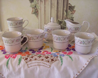 Sango Majesty Fine China Teacups Sugar Bowl Cream Pitcher Teaset Blue and Pink 12 Pieces Service for Five