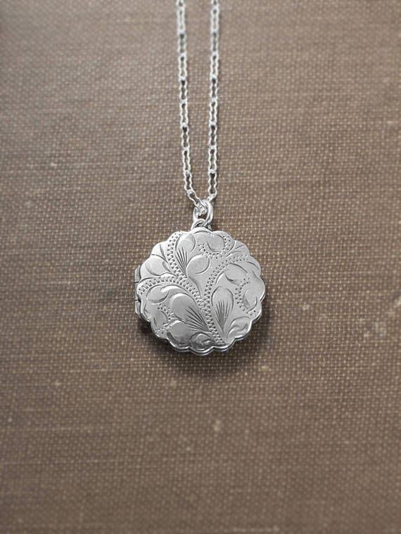 Scalloped Round Locket Necklace, Sterling Silver Swirl Engraved Vintage Photo Pendant - Silver Waves