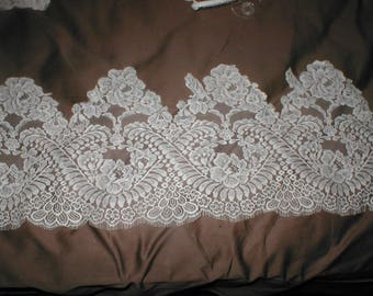 Vintage French Chantilly Lace Border white OR ivory