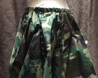 Vinyl camo skirt Clearance medium