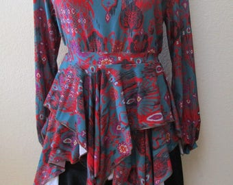 Mix color in red, gray and purple color love sleeve top with ruffled edging plus made in USA (vn37)