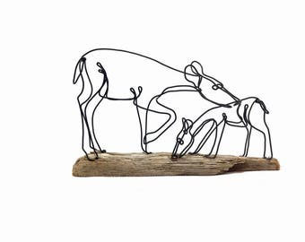 Doe and Fawn Wire Sculpture, Deer Sculpture, Wildlife Art, Minimal Sculpture, Wire Folk Art, 579005443