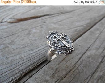 ON SALE Medieval shield ring in sterling silver 925