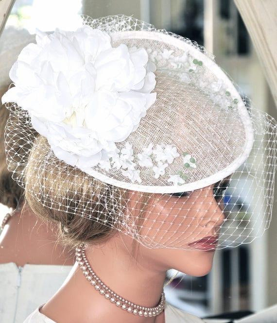 White Bridal Headpiece, White Fascinator, Wedding Fascinator, Wedding Hat, Wedding Headpiece, Kentucky Derby Fascinator Hat, Saucer Hat Veil