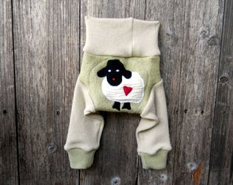 NEWBORN Upcycled Wool /Cashmere Longies Soaker Cover Diaper Cover With Added Doubler Green/ Cream With Baa Baa Sheep Applique NB 0-3M
