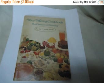 Ephemera & Books 50% Sale Vintage 1970 Your Waring The Pleasures Of Blending Cookbook For The 7 Speed Blender, collectable