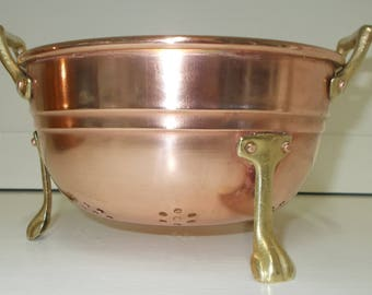Copper Sieve, Colander, Passoir. Small Copper Fruit Strainer with brass handles and feet. Ideal for rinsing summer berries  (6529)